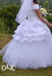 продам б.у весільне плаття,  не дорого