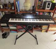 Продам синтезатор Korg i2