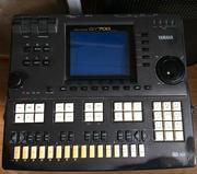 Продам самоиграй с кнопочной клавиатурой Yamaha QY-700